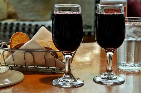 red-wine-1069717_640
