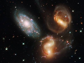 Hubble_Space_Telescope_Galaxy_Clash_thumb