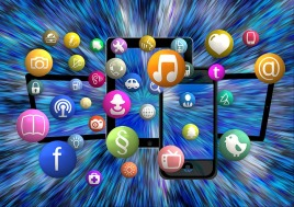 social-media-1453843_640