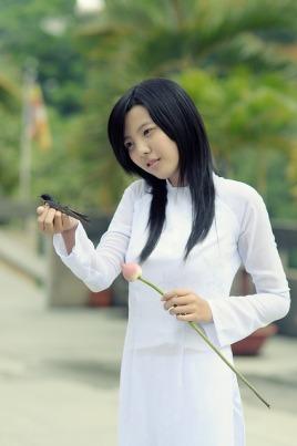 girl-1741936_640